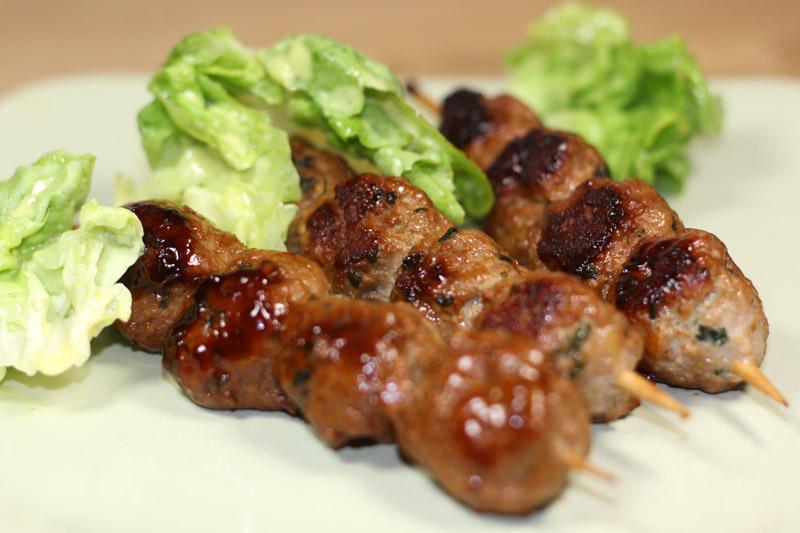 boulettes de porc caram lis es recette de boulettes de porc caram lis es. Black Bedroom Furniture Sets. Home Design Ideas