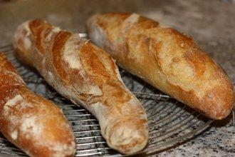 Baguette recette de baguette de pain baguette de tradition for Baguettes de pain maison